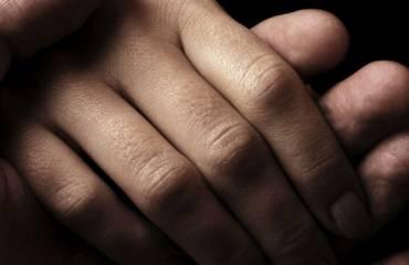 Come elaborare un lutto, sintomi e rimedi