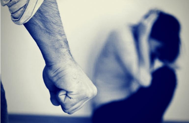 Violenza sulle donne: cos'è, come si manifesta e a chi rivolgersi
