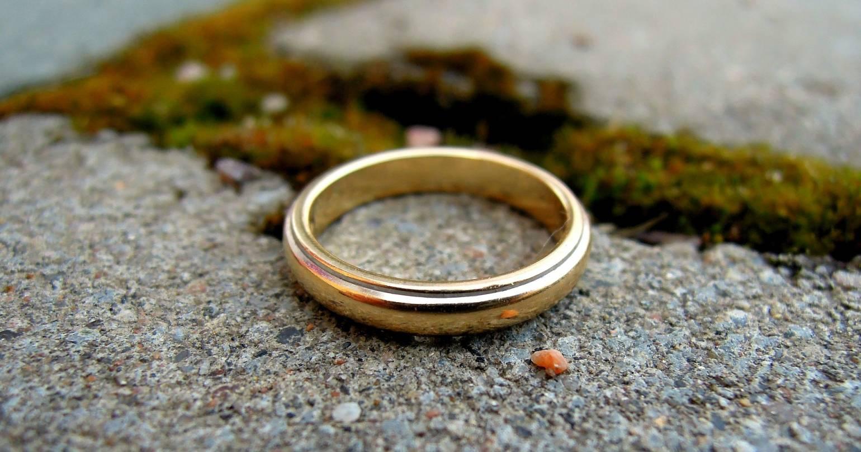 Quando finisce un matrimonio: il processo emotivo di un divorzio